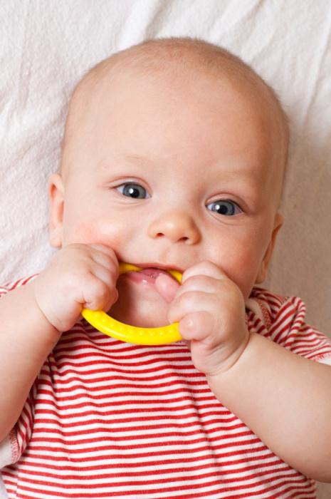 Leistenbruch beim Baby: Symptome erkennen und behandeln