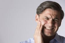 Kleben oder Implantate? So werden abgebrochene Zähne versorgt!