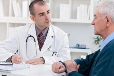 Minimalinvasive Hüft-OP: Vor- und Nachteile des vorderen Zugangs