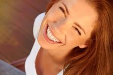 Lächeln statt Leiden - Ästhetische Zahnmedizin im Wandel - Teil 1