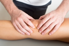 Arthrose behandeln: Ist eine OP immer notwendig?