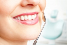 Osteoporose und Zahnmedizin - Suchen Sie Ihren Zahnarzt auf