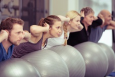 Rücken-OP und Physiotherapie: So können Sie Ihre Wirbelsäule stärken