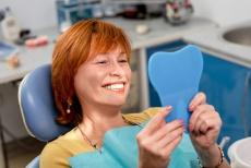 Nachhaltige Zahnmedizin für natürlichen Zahnerhalt bis ins hohe Alter