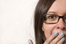 Stimmbandlähmung nach der OP: Welche Therapie hilft bei Rekurrensparese?