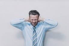 Tinnitus: Mit Stresstagebuch Ohrgeräusche reduzieren