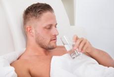 Warum das richtige Bettsystem Rückenschmerzen vorbeugen kann