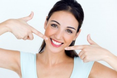 Sofortimplantation oder Socket Preservation nach der Zahnextraktion – was ist am besten?