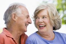 Mini-Implantate sorgen für fest sitzende Dritte Zähne