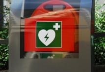 Defibrillator Umgang