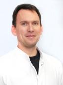 Dr. med. Andre Knust