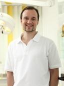 Dr. med. dent. Henrik-Christian Hollay