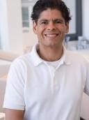 Prof. Dr. med. dent. José Gonzales