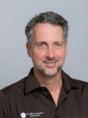Dr. Björn Hartmann