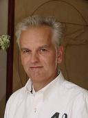Dr. med. Frank Striebel