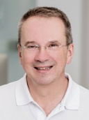 Dr. Lorenz Czell