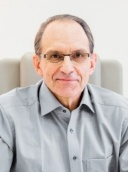 Prof. Dr. Dr. Dr. Ralf Siegert