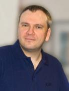 Dr. Gneuß